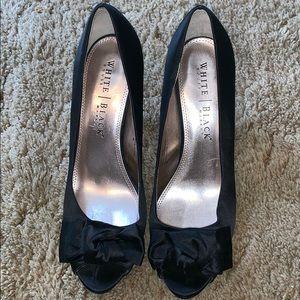 White house Black Market heel size 9